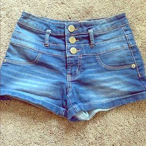 Super cute high-waisted shorts